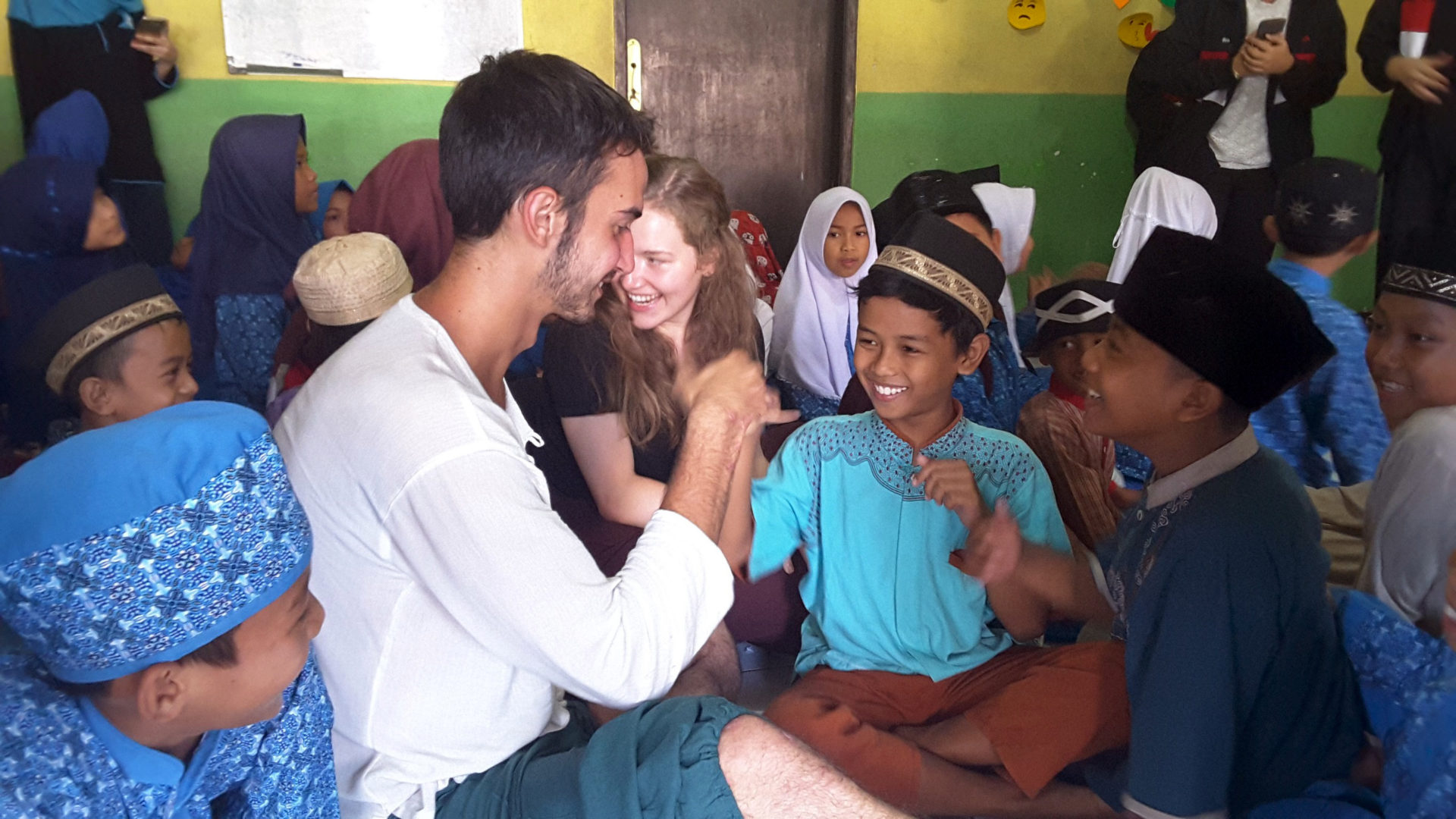 TELESCOPE : Teaching & Learning English with SCOPE by CIMSA FK Unpad